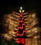 Fuegos artificiales marcaron la inauguración del árbol de Navidad en la laguna Rodrigo de Freitas, el 29 de noviembre de 2008, en Río de Janeiro (Brasil).