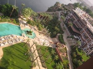 """Vista del hotel Old Cataract de Asuán, al borde del Nilo, donde Agatha Christie se inspiró para su novela """"Muerte en el Nilo""""."""
