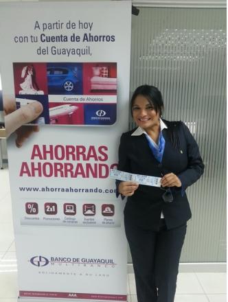 Vemos a la feliz ganadora Erika Salazar Yagual