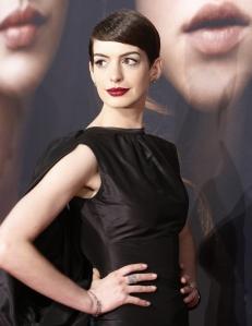 La imagen de la actriz dio un giro de 180 grados tras cortar su larga cabellera.
