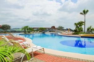 El lugar cuenta con 5 piscinas para diversión de todos sus visitantes.