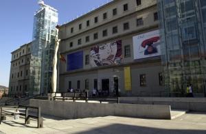 Fachada principal del Centro de Arte Reina Sofía.