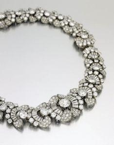 Collar Bulgari, 1954, de diamantes, valorado, aproximadamente, entre $300.000 y $500.000.