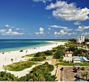 La playa Lido y sus blancas arenas.