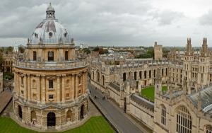 The Radcliffe College establecido en 1438 en Oxford.