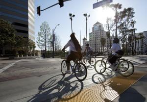 Long Beach es una ciudad que promueve el ciclismo.