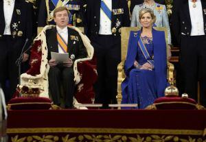 Durante la ceremonia, Guillermo no utilizó corona, ya que los monarcas holandeses no la usan nunca durante su reinado.