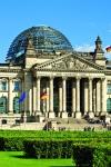 El Reichstag (Parlamento), con la cúpula de cristal, obra del arquitecto Norman Foster.