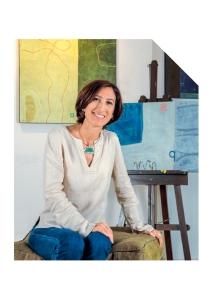 Una mirada a la obra de esta artista, cuyas pinturas sobre objetos y trabajos en lienzo proyectan gran fuerza y riqueza interior.