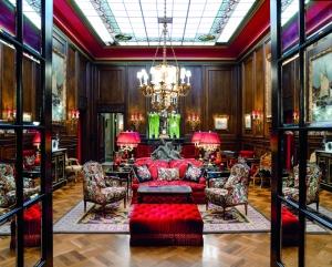 Uno de las lujosas estancias del Sacher.