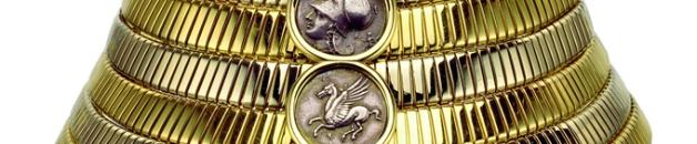 Collar tipo chacker hecho en 1974, con oro y monedas griegas.
