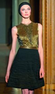 Atuendo de la colección otoño-invierno 2009-2010 de Lacroix.