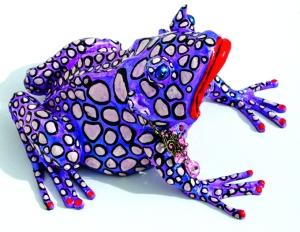 Paúl afirma que en su obra las ranas buscan educar, conmover y divertir.