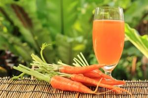 El alfa-caroteno de las zanahorias funciona contra el crecimiento de tumores.