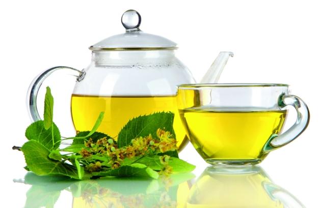 El té de bálsamo de limón previene males cardíacos.